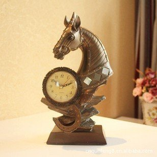 Home furnishing business gifts resin display technology Ma Clock Vintage clocks decoration XA413