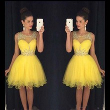 Charming Graduation Dresses 2017 Party Kleider Mini Kurze Partykleider Kristalle Perlen Gelb Graduation Dresses