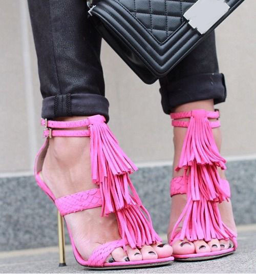 Hot selling fashion golden metal stiletto heel sweet pink suede fringe dress sandals elegant snakeskin grain tassel high heels