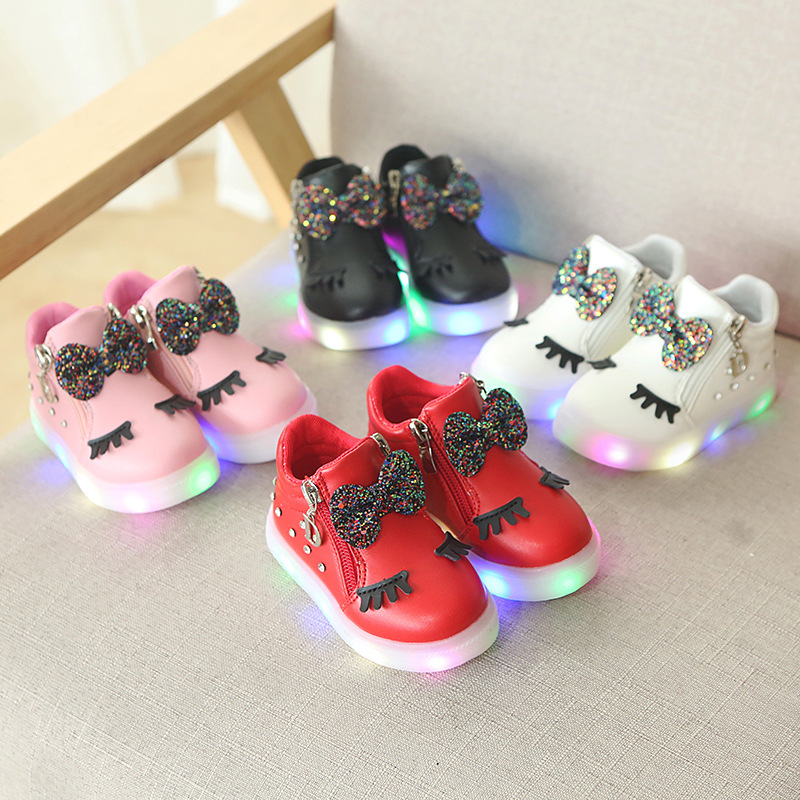 2018 European fashion cool LED lighting baby boots cute hot sales glowing baby shoes casua girls boys shoes sneakers