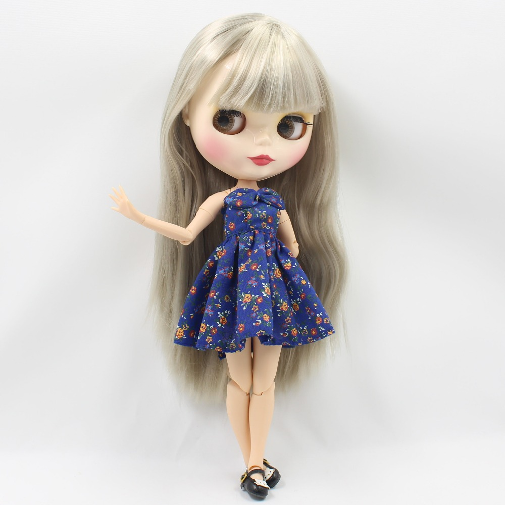 Neo Blythe Doll with Grey Hair, White Skin, Shiny Face & Jointed Body 2