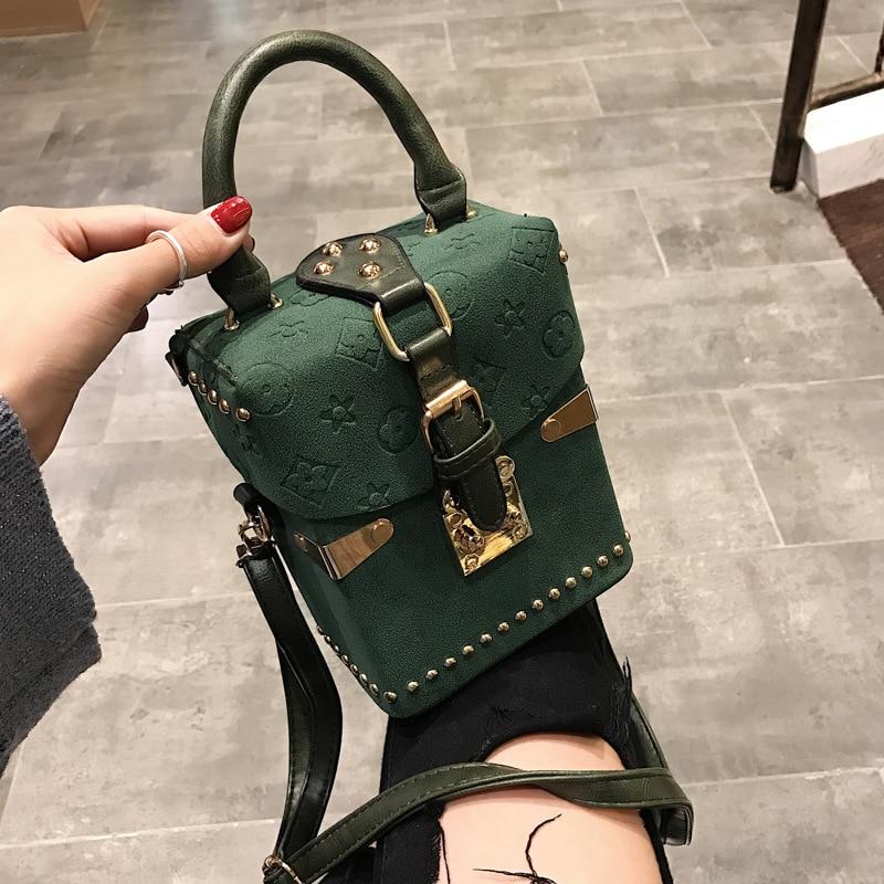 Rivet Handbags Box Package Square Bag Korean Version of the Wild Messenger Bag Square Mobile Messenger Bag C40