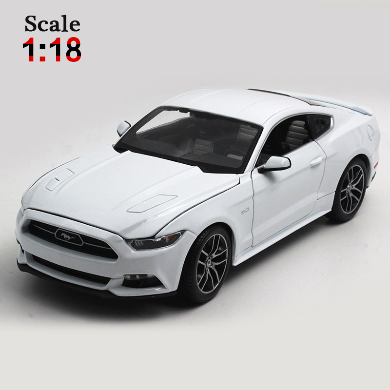 Maisto Ford Mustang GT 1:18 Alloy Car Model Toys Diecasts & Toy Vehicles Collection Kids Toys Gift bburago 360 challengr 1 24 alloy car model toys diecasts