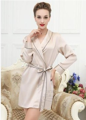 Aliexpress.com   Buy 100% mulberry silk pajamas heavy silk women robe plain  household to take Deep purple large size M XXXL from Reliable pajama bottom  ... 68dc07469