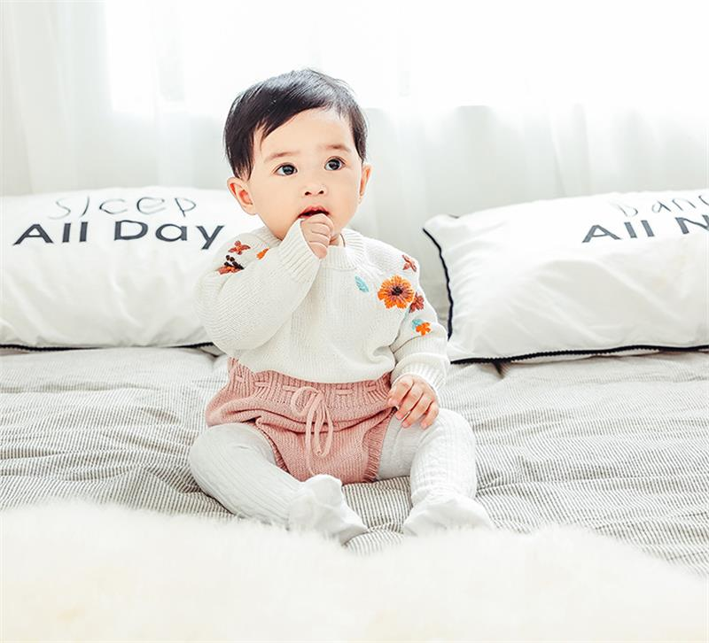 High-quality-2018-autumn-and-winter-new-baby-knit-clothes-handmade-embroidered-onesies-baby-triangle-romper