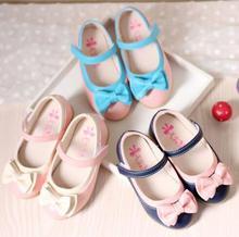 2017 otoño nueva encanto sólido arco lindo versión blanco y negro de las señoras dulces muchachas de la princesa shoes niños shoes tamaño 21-30
