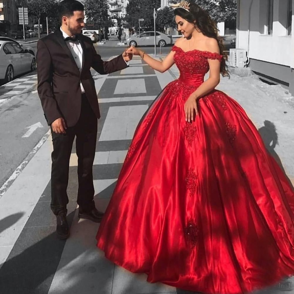 2019 mode Corset Quinceanera robes hors épaule rouge Satin robes de soirée formelle chérie paillettes dentelle Applique robe de bal
