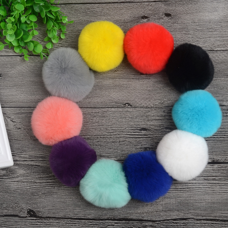 16pcs/lot 8cm Natural Real Rabbit Fur Ball Pom Poms Fluffy Fur Pompom DIY For Women Kids Winter Hat   Skullies     Beanies   Knitted Cap