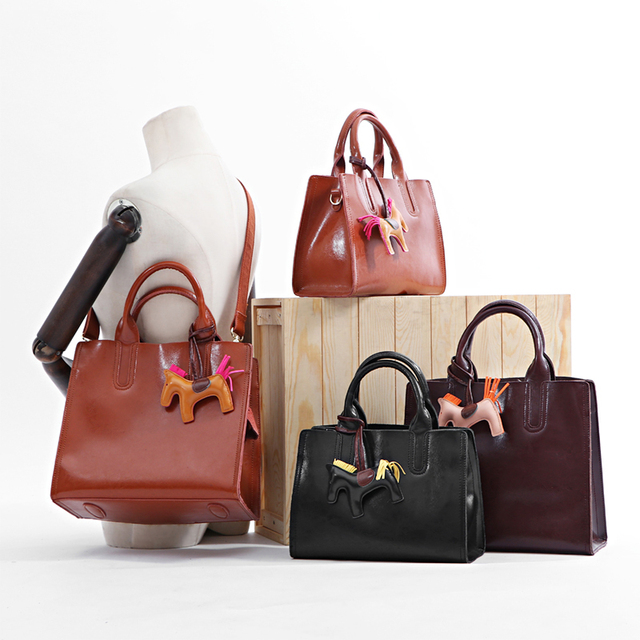 2017 New Women Luxury Bags Designers Handbags Oil Wax Leather Handbag Simple Fashion Commuter Tote