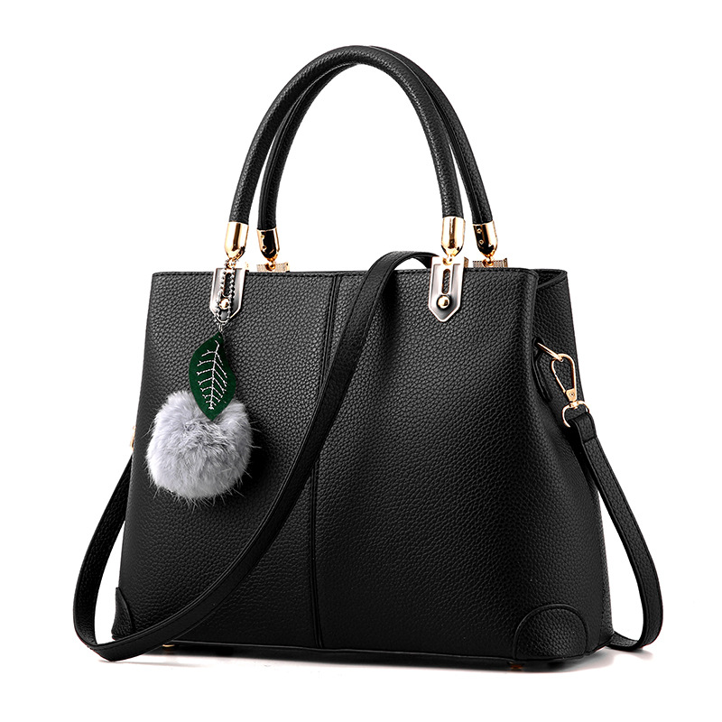 Female Handbag 2018 New Fashion European and American style handbag solid color Messenger bag Women big big shoulder bag punk style solid color and rivets design women s shoulder bag