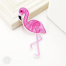 Flamingo (Dimensioni: 5.5x10.3 cm) FAI DA TE Panno Distintivo Mend Decorare Patch Jeans Giacche Borsa Clothes Apparel cucito Decorazione Applique(China)
