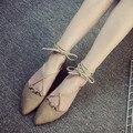 2016 новые летние женщины плоским указал закрытым носком сандалии кружева up cross ремни выдалбливают замши случайные женщины дизайнер сандалии обувь