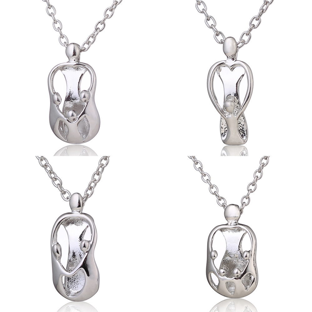 Trendy Authentic Silver color Necklace mother child Pendant Mom holds child Character necklace for woman Silver Jewelry Gift New image
