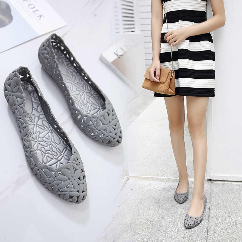 Nova mulher verão oco apontou toe geléia sapatos corte respirável plana flor capa calcanhar lazer sandálias de dedo do pé fechado 180912