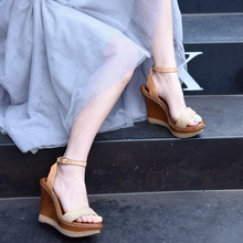 купить Artmu Original Retro Thick Sole Wedge Heels Women Sandals Bohemian Beach Sandals Leather High Heels Platform Handmade Shoes по цене 5129.08 рублей