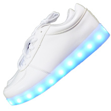 7ipupas 2016 New Men Unisex Fashion shoes Luminous Led shoes USB Charging Colorful lighted Shoes Lovers Casual Flash Led Shoes