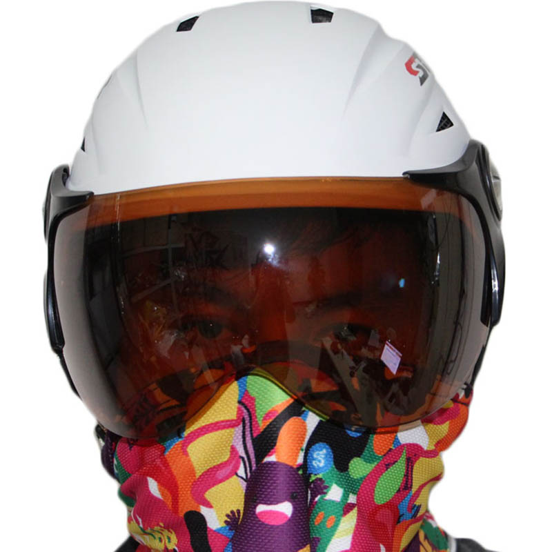 hot sale ABS five color factory supply CE certificate adult ski open facehelmet with visor skateboarding skiing helmets hot sale gmp certificate 100