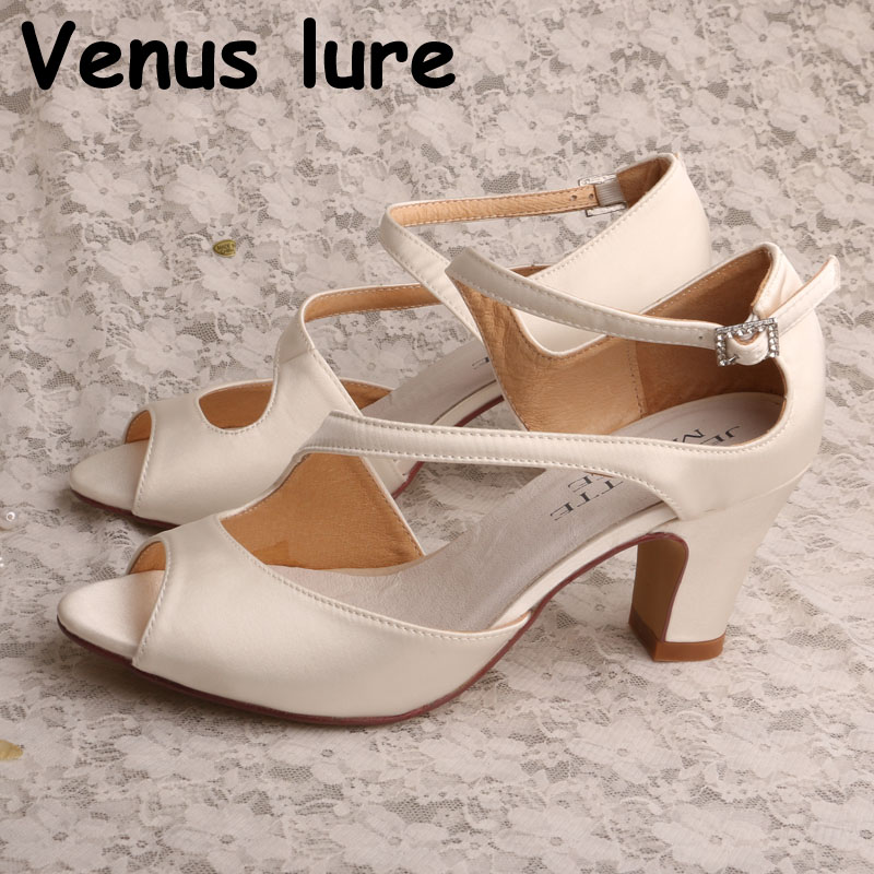 New Design Women Shoes with Open Toe Block Heel Sandals for Wedding Ivory Satin