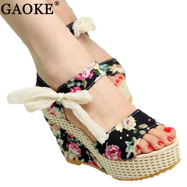 Shoes Women 2018 Summer New Sweet Flowers Buckle Open Toe Wedge Sandals Floral high-heeled Shoes Platform Sandals