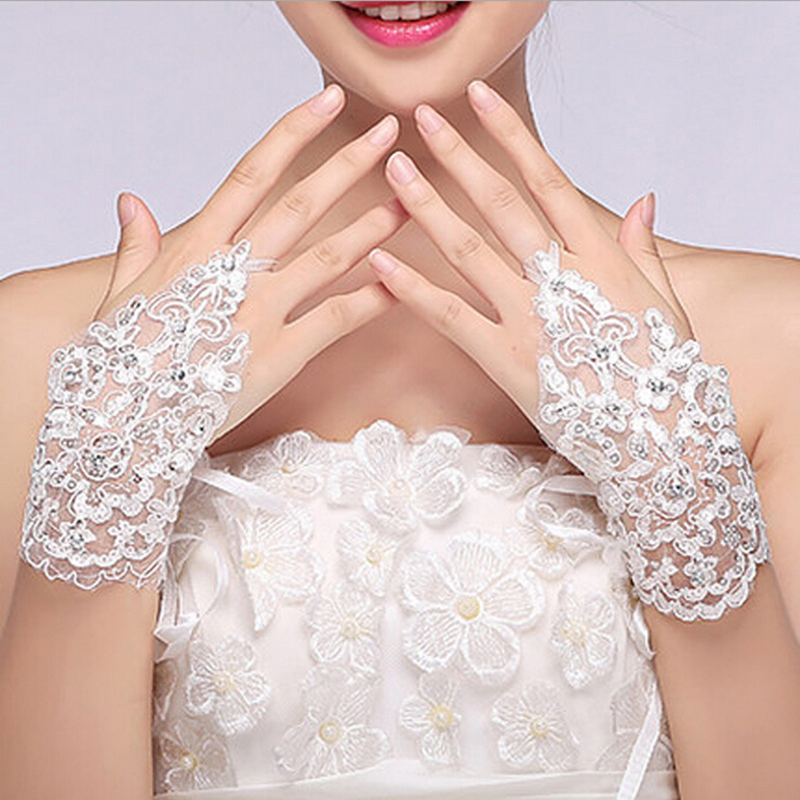 Fansmile Cheap Free Size White Fingerless Rhinestone Lace Sequins Short Bridal Wedding Gloves Free Shipping Wedding Accessories