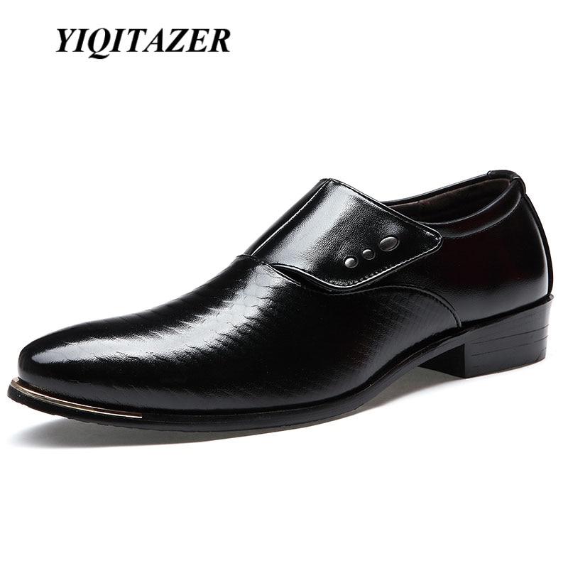 YIQITAZER 2018 új divatos férfi esküvői ruha cipő, Fekete cipő, Kerek orrú üzleti British Slipon Geniune férfi cipő