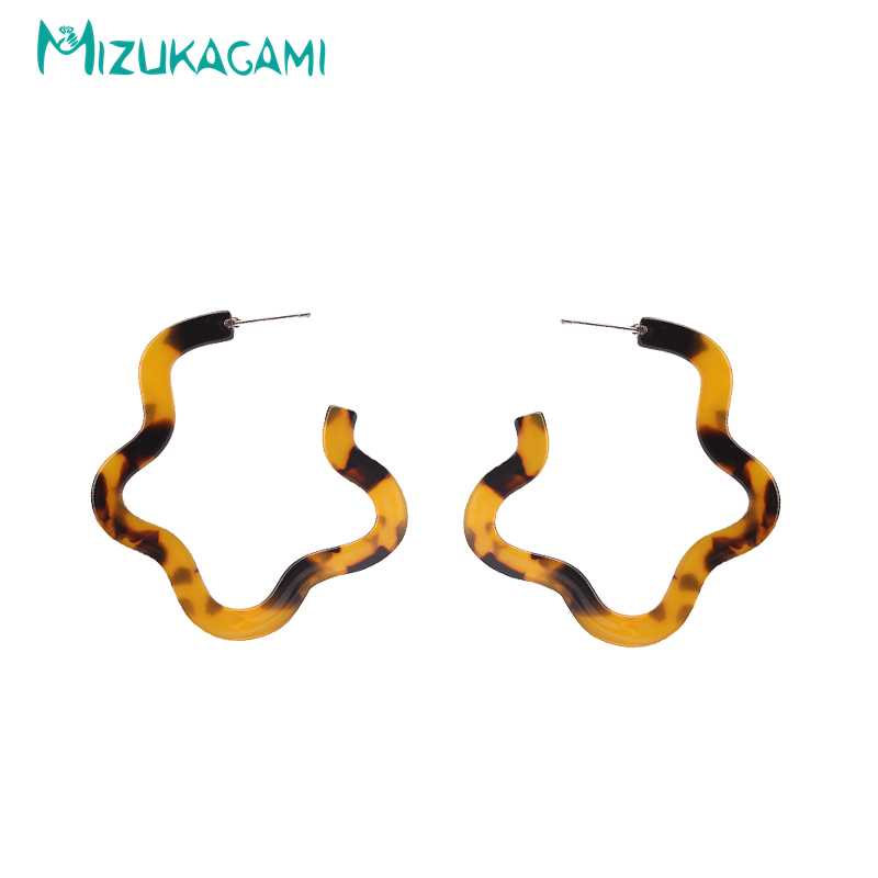 2017 Sale Special Offer Brincos Geometry Brown/white Exaggeration Resin Stud Earrings Material For Women Elegant Design