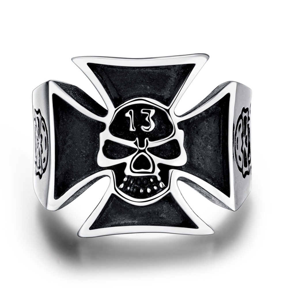 Hot sale 925 Tibet  silver jewelry 13 skull ring  fashion send good friends for special party factory direct sales YR218