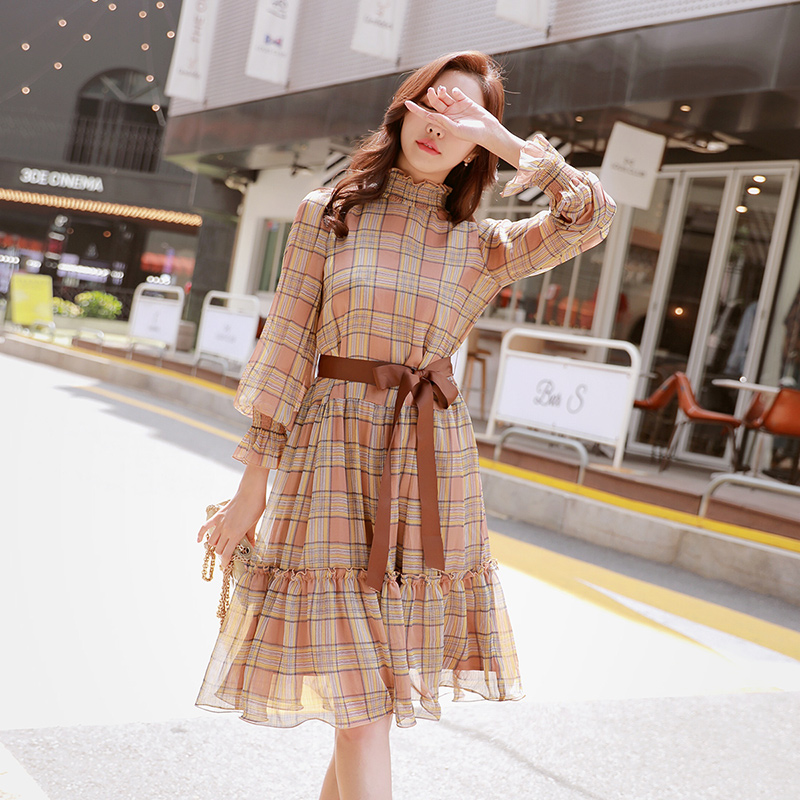 Dabuwawa New Spring Vintage Midi Dresses Women Ladies Plaid Bow Tie Turtleneck Chiffon Dress D18CDR086