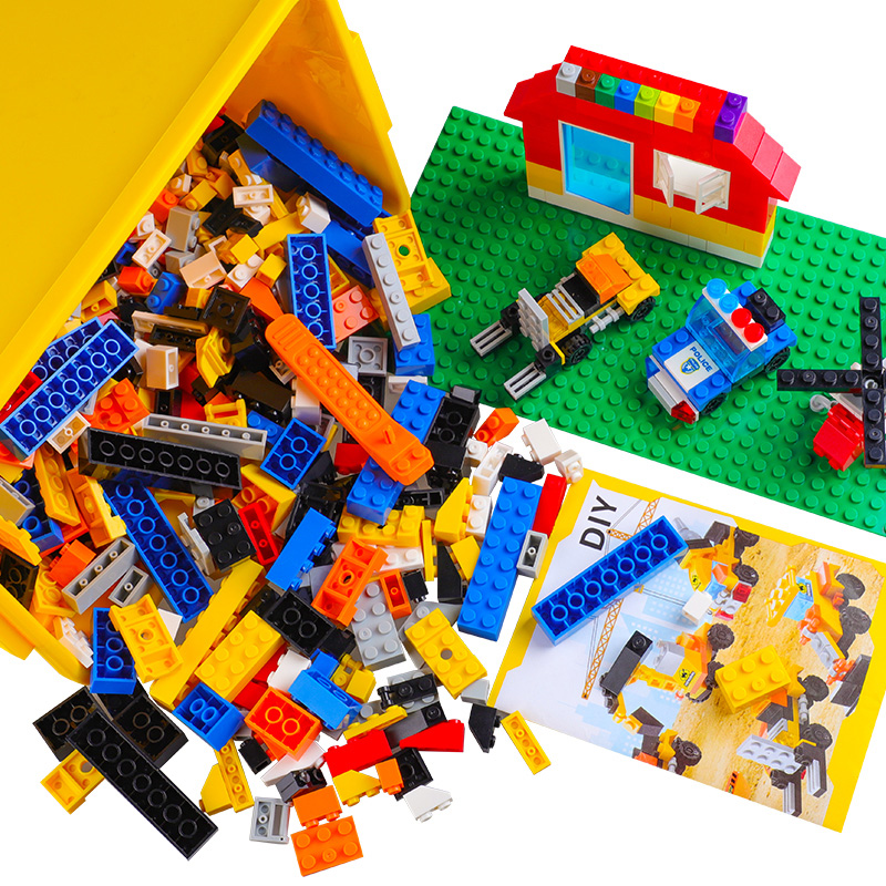 DIY 1000 Pcs Bricks City Building Police Fire Fight Blocks Creative Toys For Child Educational Block Compatible With Legoed Bloc 62pcs colored wooden building blocks city traffic scene blocks kids educational toys child diy toys jm19