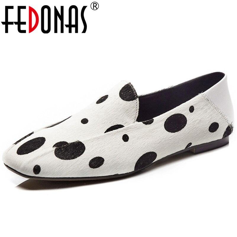 Ayakk.'ten Kadın Topuksuz Ayakkabı'de FEDONAS 2019 Yeni Varış yüksek kalite hakiki At Kılı Sığ Platformları Ayakkabı Retro Kare Ayak rahat ayakkabılar Bahar Ayakkabı Kadın'da  Grup 1