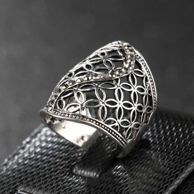 Free Shipping Fashion Hollow Big Ring For Women Plating Silver Fine Jewelry Crystal Gift