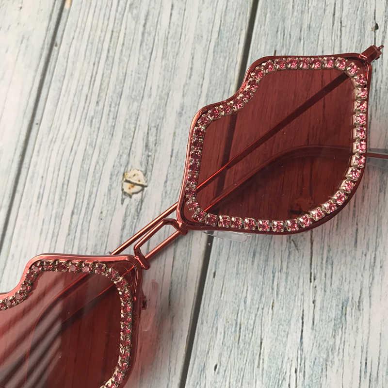 Zaolihu Bibir Seksi Merah Kacamata Hitam Wanita Kecil Wanita Kacamata Merah Bingkai Logam Berlian Berjemur Kacamata UV400 dengan Harga Murah Oculos De Sol