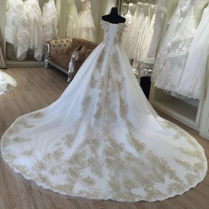 Prinzessin Weiß Elfenbein Brautkleider mit Gold Applique Ballkleid ...
