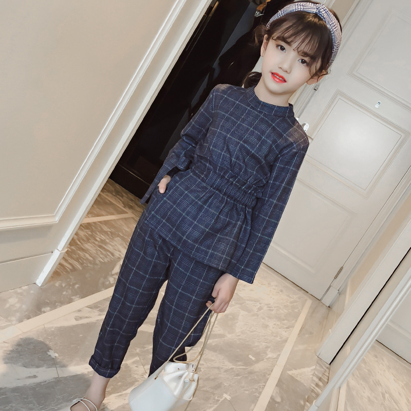 Girls in the big children's plaid suit 2018 new autumn and winter fashion trend two-piece Korean version of the wild casual suit autumn and winter wear new suit children sweater hooded culottes two piece suit for girls