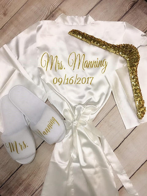 personalized glitter wedding Bride Bridesmaid satin pajamas robes with slippers  bridal shower kiminos set party favors f57859985bc9
