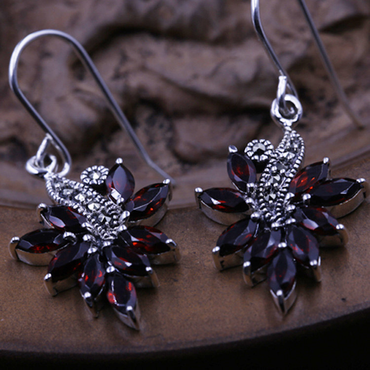 S925 Sterling Silver Earrings Thai silver inlaid red corundum original silver earrings wholesale manufacturers Ms. thai silver earrings s925 zircon silver inlaid white female antique style earrings atmospheric water
