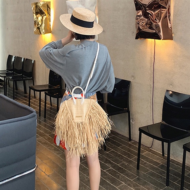 2019 New Fashion Summer Women Bags Vacation Tassels Natural Straw Paper Shoulder Bags Single Chain Cross Body Packages Handbag
