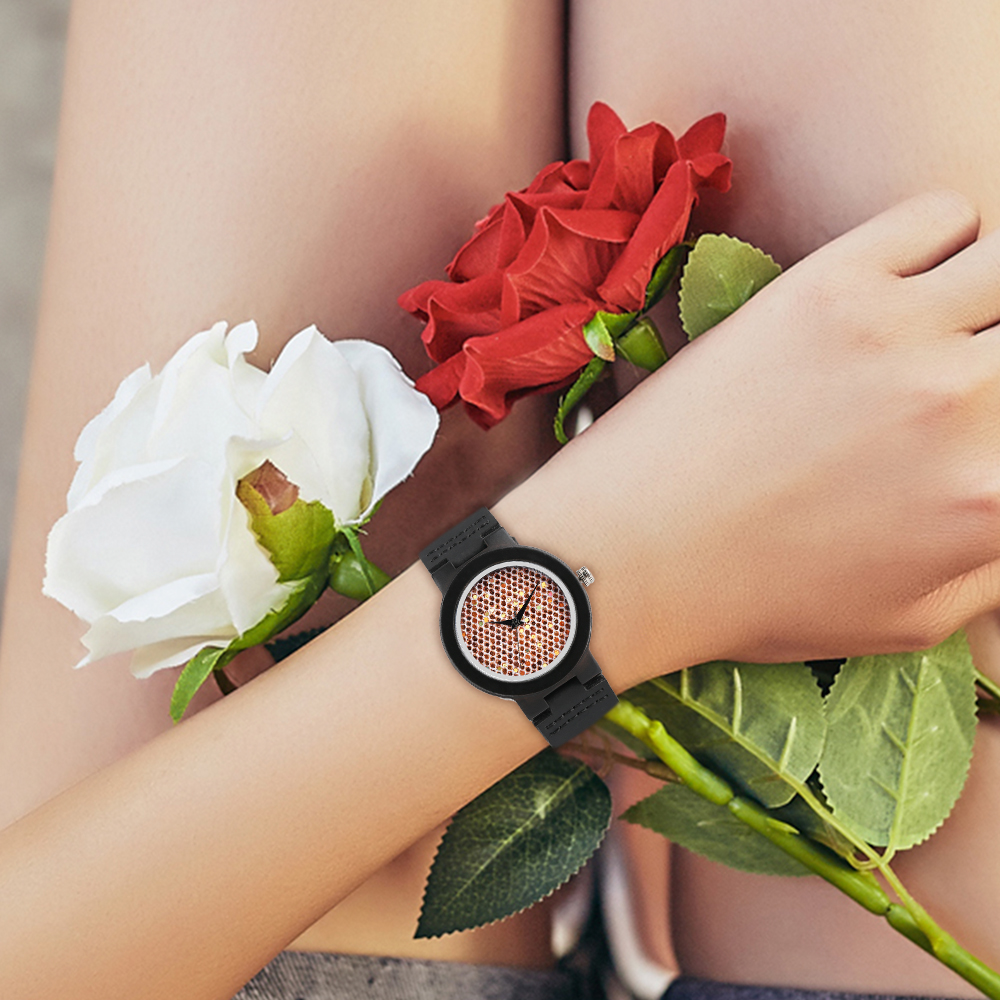 2019 Natural Black Ebony Wood Bamboo Watch Womens Standard Glitter Dial Quartz Wrist Watch Ladies Elegant Eco Friendly Hour