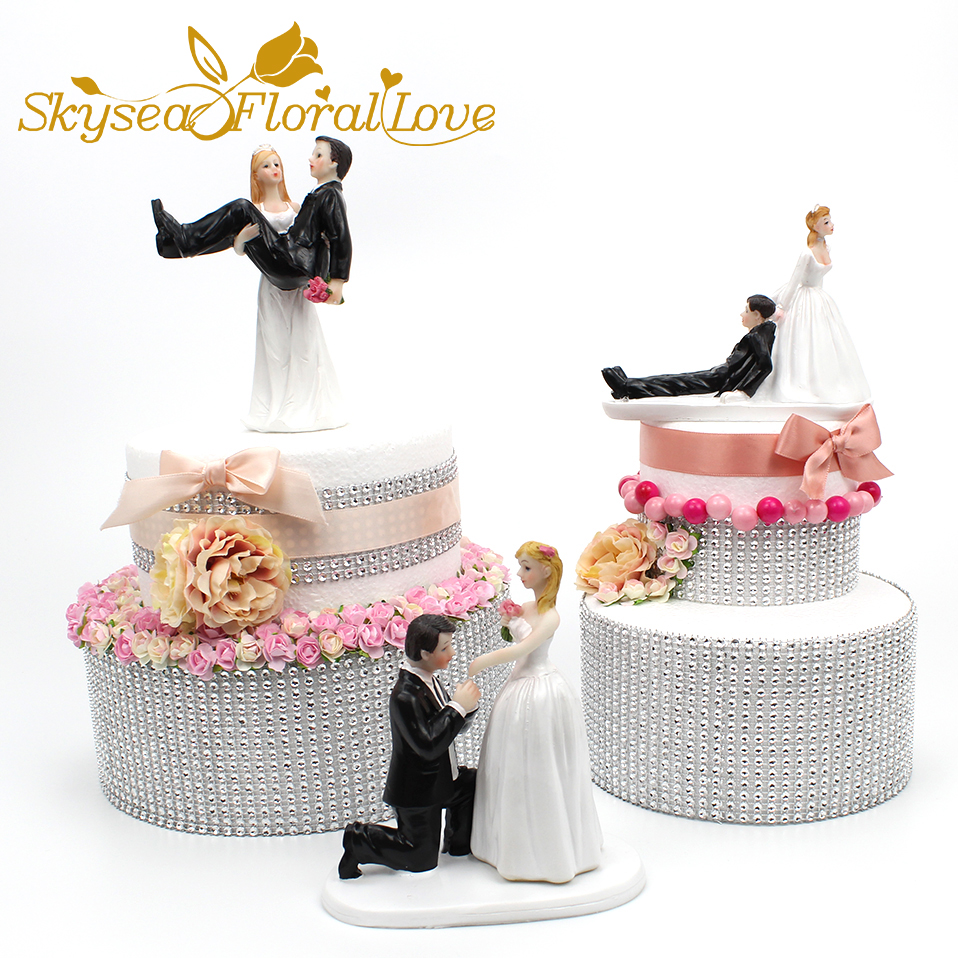 Christmas Wedding Cake Toppers.Bride Groom Cake Topper Event Party Supplies Resin Figure Propose Marriage Funny Wedding Cake Toppers