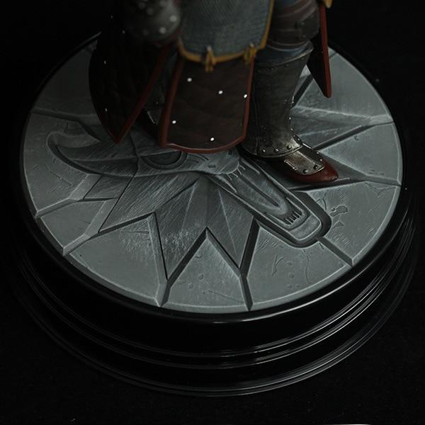 New Arrival Dark Horse Deluxe The Witcher 3: Wild Hunt: Geralt Grandmaster Ursine Figure the witcher figure 4