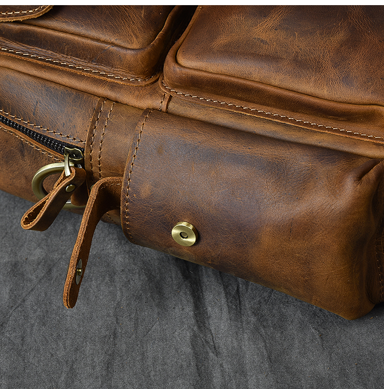 Luxury & Vintage Leather Messenger Bag clip pockets