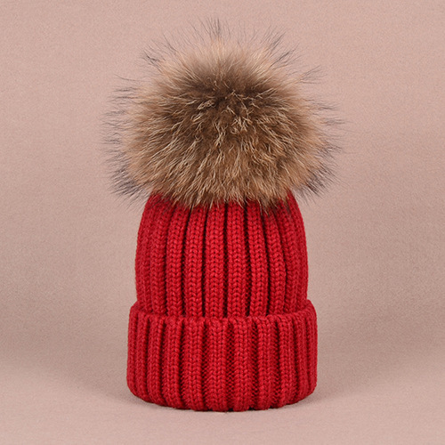 Zorro de plata y piel de mapache tapa POM poms sombrero de invierno para  las mujeres e98938ddfc16