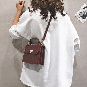 Image 2 - [BXX] bandolera de un solo hombro para mujer, solapa que combina con todo, bolso de mano de grano de piedra a la moda para mujer, bolso de cuero de PU para fiesta HF169 2020