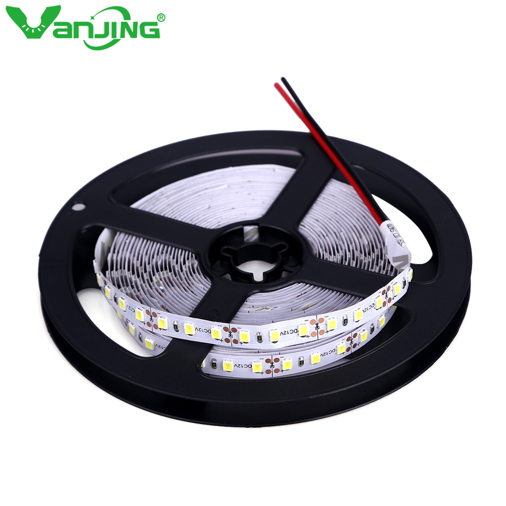 Hoge helderheid 5M 600led SMD 2835 LED-strip Nonwaterproof DC 12V-diodenband 120led / m Super Helderder dan 3528 flexibel licht