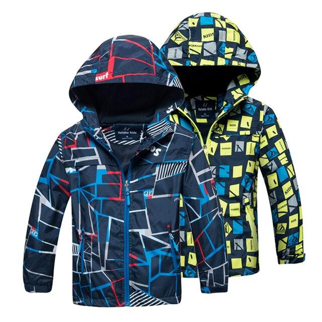 Abrigo para niños 2018 Otoño Invierno niños chaqueta para niños ropa con  capucha ropa de bebé 4a37f8e4d28a