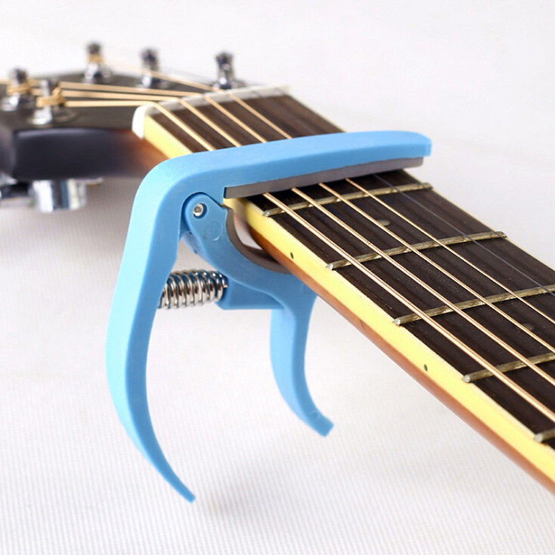 2-in-1 Blue Plastic Single-handed Guitar Capo With Bridge Pin Puller Tune Quick Change + Pulling Bridge Pin