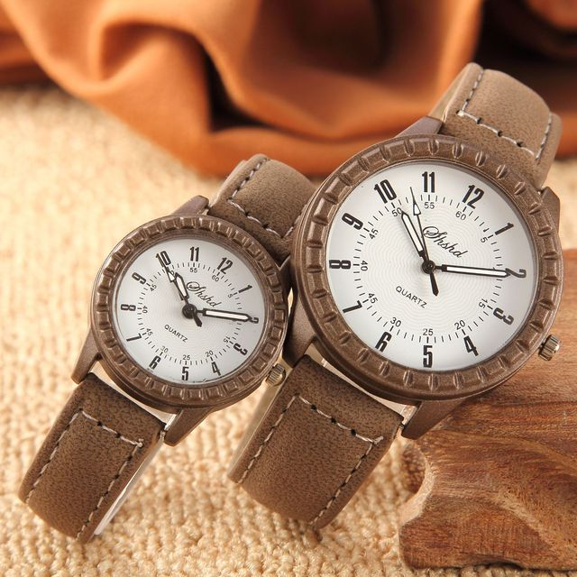 Fashion Classic Retro Style Men's and Women's Leather Watches Belt Love Small Hands Big Clock Couple Watches
