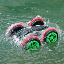 Electric RC Stunt amphibious Car 2.4G Off-road RC Drift Car 4WD 1:18 Scale Radio Control Stunt Cars Can Drive on Land and Water