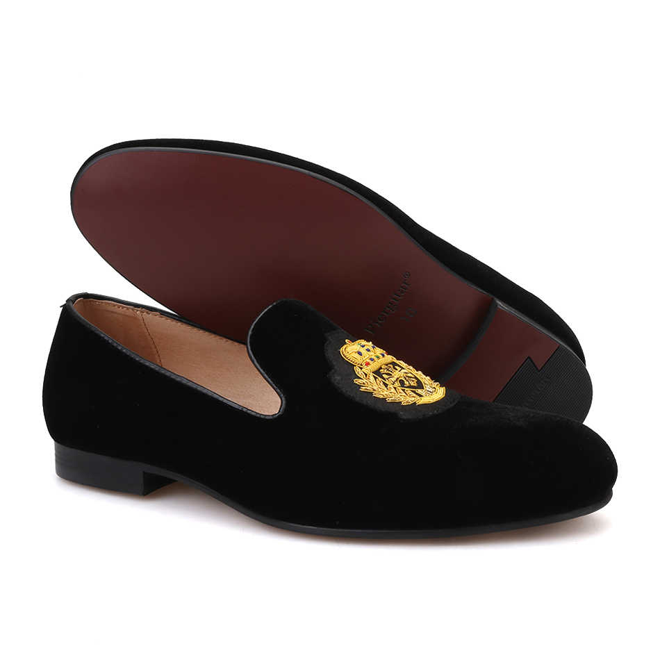 37e89cd1f5ef1 ... Piergitar 2019 new India handmade luxurious embroidery men velvet shoes  Men dress shoes Banquet and Prom ...