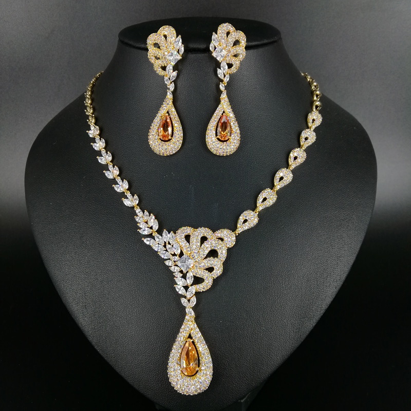 цена на 2018 NEW fashion luxury retro champnage water drop zircon golden necklace earring set,wedding bride dress dinner jewelry set